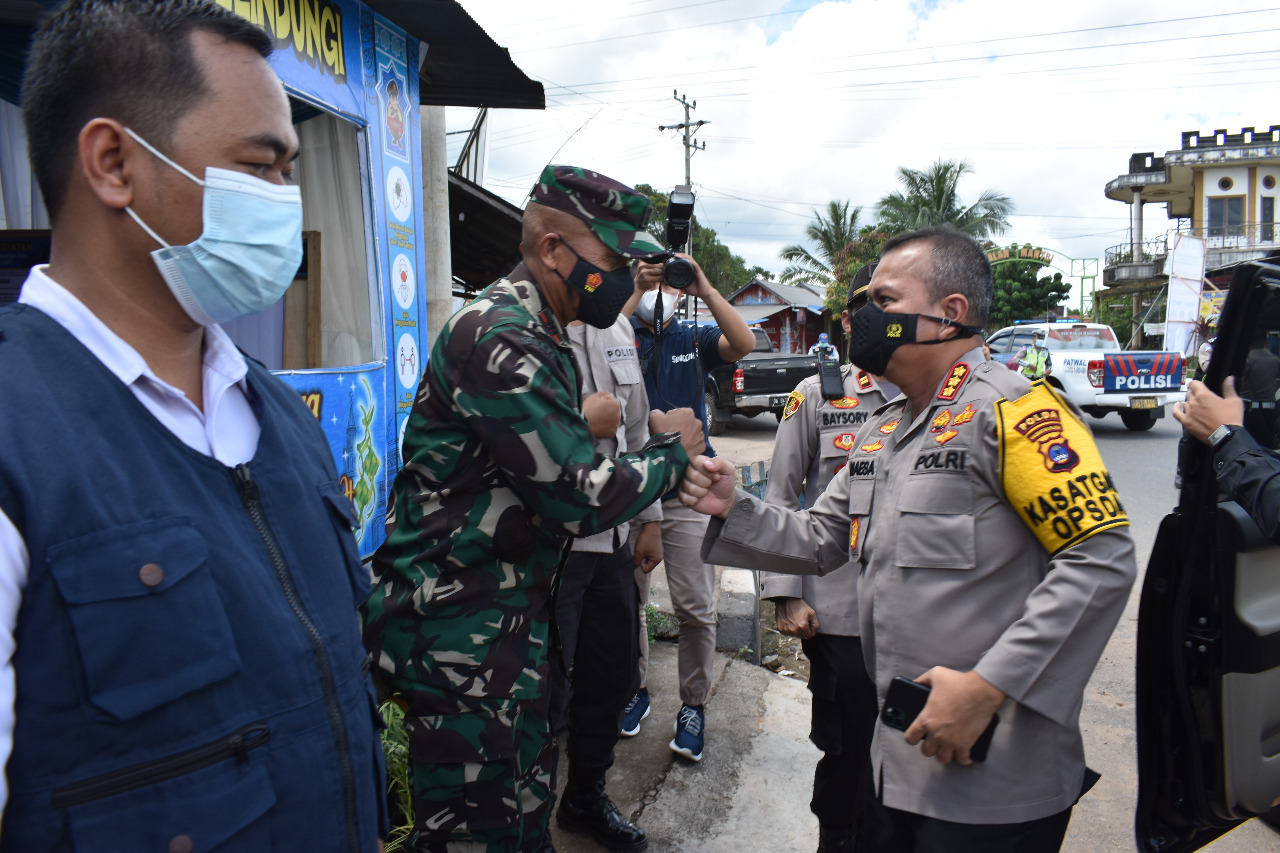 Kedatangan Dirlantas Polda Kalsel Kombes Pol. Maesa Soegriwo SIK beserta rombongan di Pos Pengamanan Lebaran Dirlantas