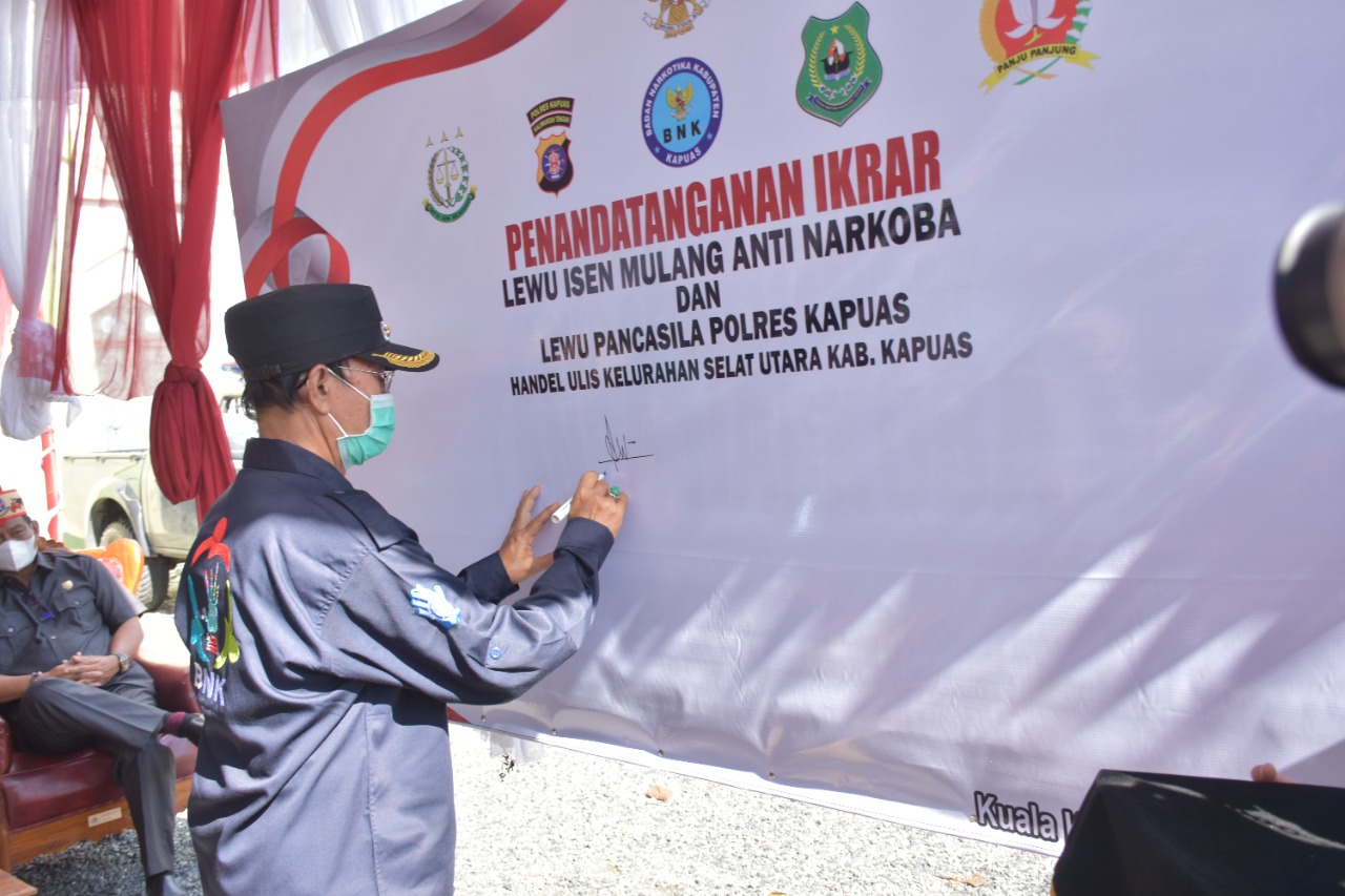 Wakil Bupati Kapuas HM Nafiah Ibnor