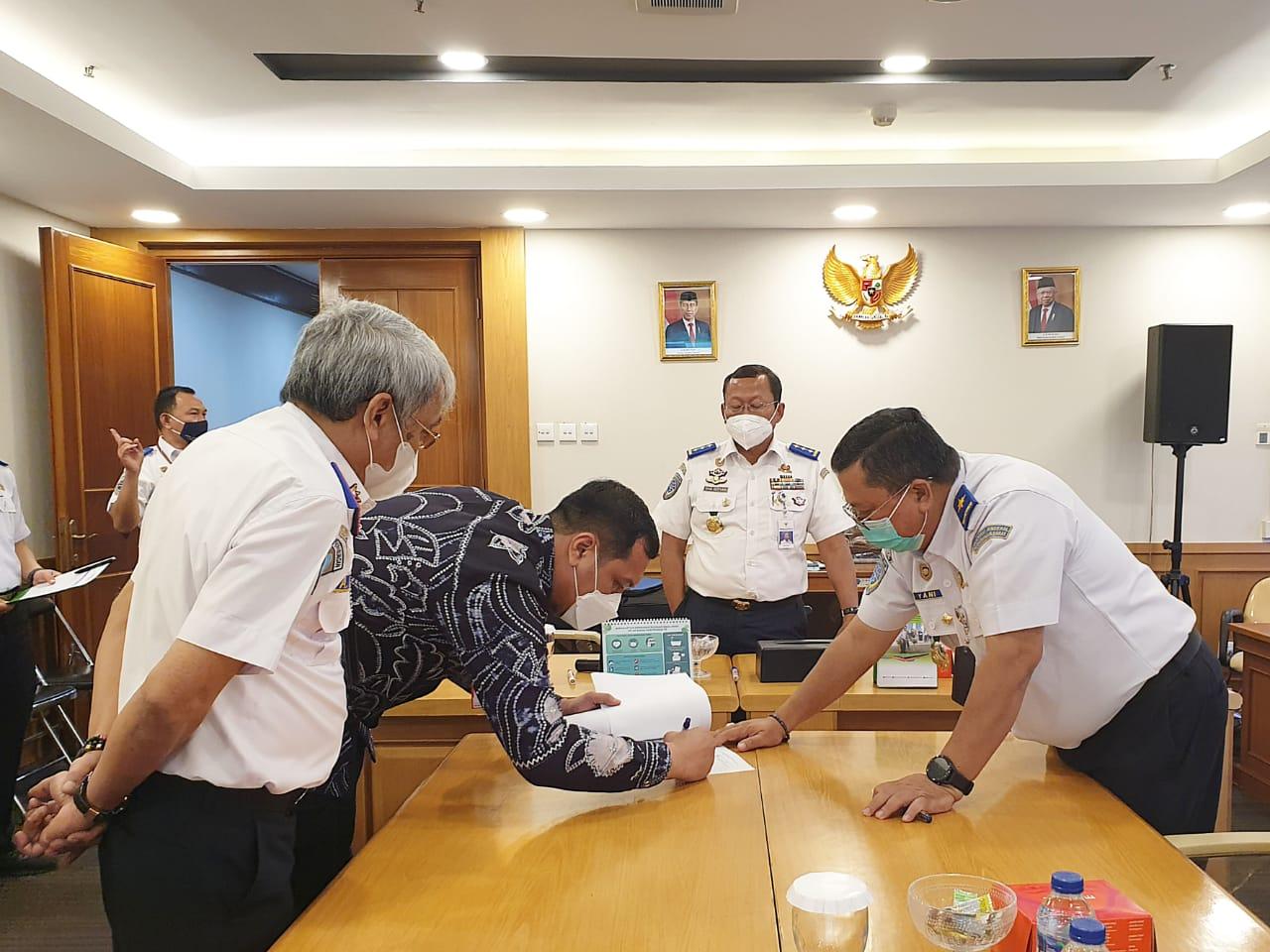 Wali Kota Banjarbaru bersama jajaran Kemenhub RI membahas rencana pembangunan Kota Banjarbaru